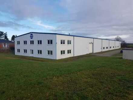 Gewerbegrundstück mit Gewerbehalle und integriertem Bürotrakt