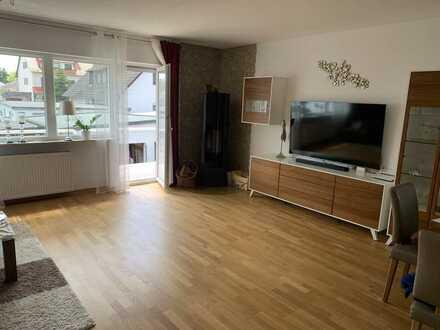 Doppelhaushälfte mit Einliegerwohnung  * Frisch renoviert*