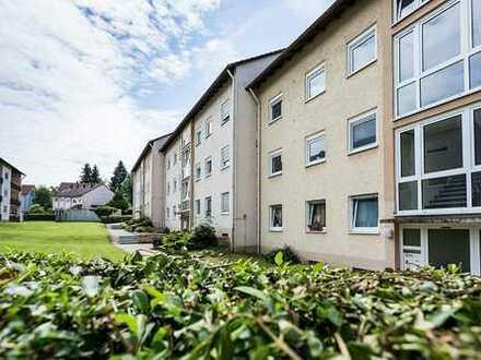 Helle 3-Zimmer-Erdgeschosswohnung mit Balkon und Keller! Dach und Gaszentralheizung NEU!