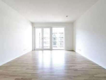 Bright 2 rooms with balcony and fitted kitchen * first-time occupation * (#16)