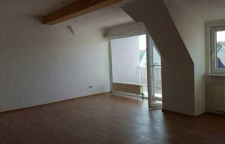 Schöne 2,5-Zimmer-Maisonette-Wohnung m. KüZeile + BLK