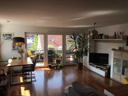 3-Zimmer-Wohnung mit Balkon und Blick auf die Dächer Stuttgart-Gablenbergs
