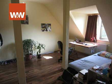 4-Zimmer Dachgeschosswohnung  - WG FÜR STUDENTEN