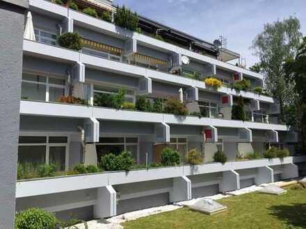 Helle, neuwertige 3,5-Zimmer-Wohnung mit gr. Balkon in Ottobrunn
