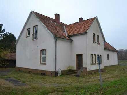 Stark sanierungsbedürftiges Schnäppchenhaus mit 3 Wohneinheiten in den 80ér renoviert
