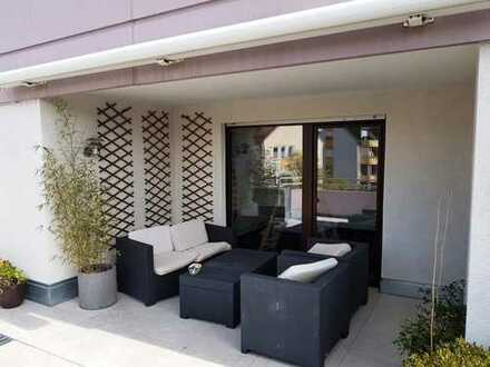 Schöne, geräumige und sehr helle zwei Zimmer Wohnung in Nürnberg, Veilhof bzw. Wöhrd