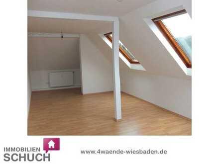 Schuch Immobilien - Traumhafte Maisonettewohnung mit Fernblick - frisch renoviert
