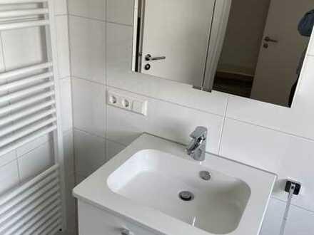 Schöne, helle und komplett renovierte 3,5 Zimmer Wohnung in Kirchheim-Teck