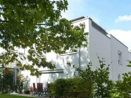 Haus im Haus - 4 ½ - Zi-Maisonette - mit eigenem Eingang und Gartennutzung