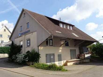 Ehemalige Bankzweigstelle mit Lager in Hayingen-Ehestetten