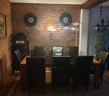 Attraktive 5-Zimmer-Wohnung mit Balkon und EBK in Bremen - Horn