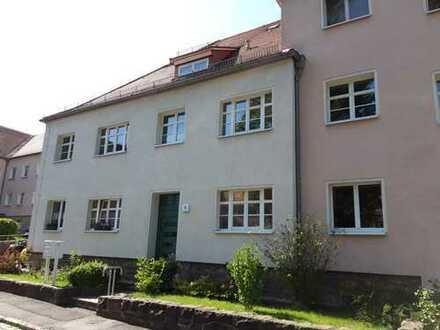 Renovierte Wohnung in 4-Familienhaus