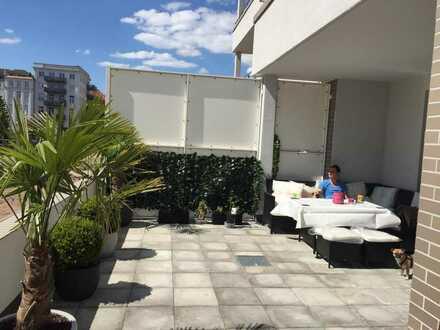 WG Zimmer in Striesen mit 30m2 Terrasse