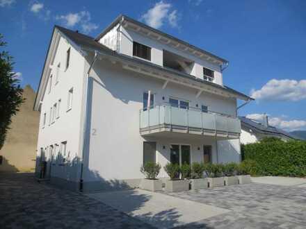 Moderne 3-Zimmer-Wohnung im EG mit Blick auf die Weinberge