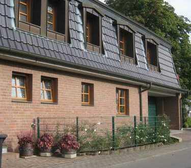 Leichlingen, Bennert-Oberschmitte, wohnen in einer schmucken 3 Zimmer Landhauswohnung
