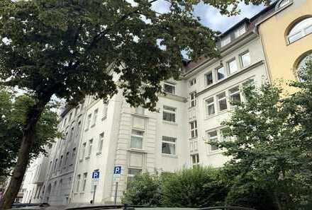 Helle, bezugsfreie 3-Zimmer-Wohnung mit Wohnküche und großem Balkon in Flingern-Nord
