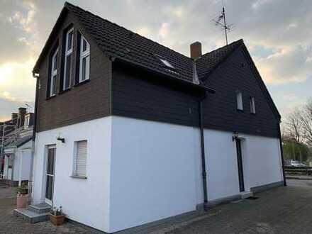 Schönes kleines Haus mit drei Zimmern und Garten in Bochum-Wattenscheid