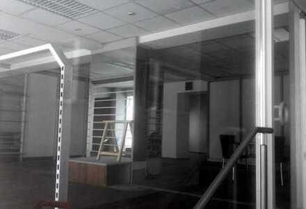 Räume - zentral in der Innenstadt als Laden oder Büro-Praxisfläche zu vermieten