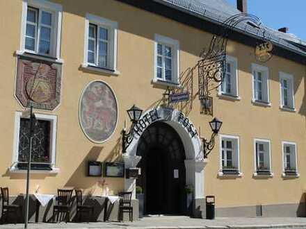 Hotel und Restaurant mit Biergarten im Herzen von Weißenstadt