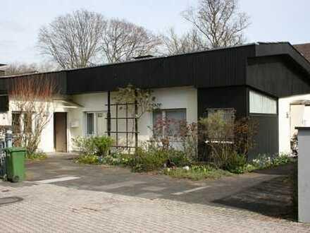 Freistehender Bungalow auf sonnigem Grundstück in Bad Godesberg-Plittersdorf