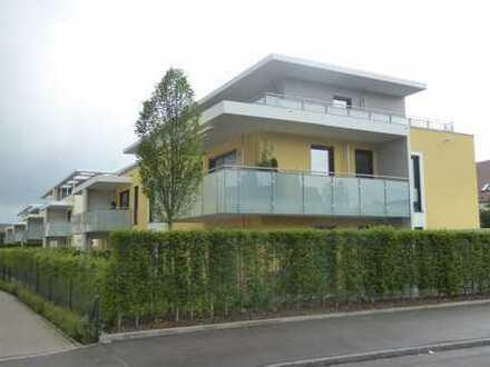 Schicke Penthouse-Wohnung in Augsburg-Haunstetten ! 2 Zimmer mit herrlich sonniger Dachterrasse !