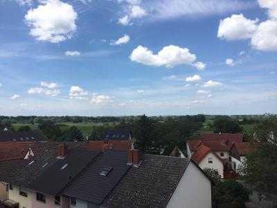 Gepflegte 5-Zimmer-Maisonette-Wohnung mit 2 Loggien in Brühl