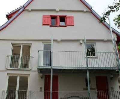 6-Zimmer Wohnung im denkmalgeschützten Gebäude nach Kernsanierung zu vermieten