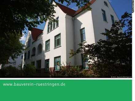 Kleine, gemütliche Zwei-Zimmer-Wohnung mit Balkon auf Siebethsburg!