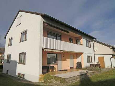 gepflegtes Zweifamilienhaus mit Garage in Abensberg