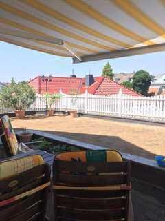 Hochwertige 2,5-Zimmer-Wohnung mit 100 m² Dachterrasse & Tiefgarage