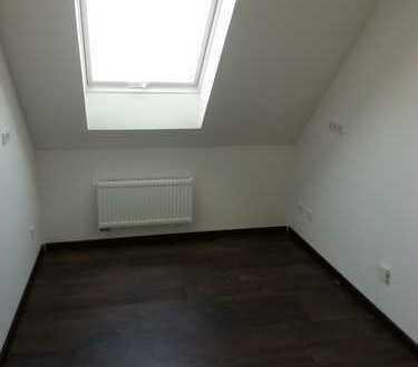 Helle Dachgeschoßwohnung mit Spitzboden, Kerpen