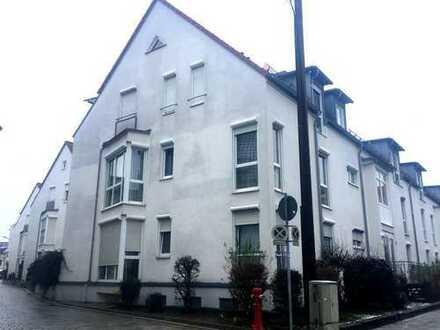 Reserviert: Helle 3-Zimmer Wohnung in zentraler Lage mit Balkon und Lift