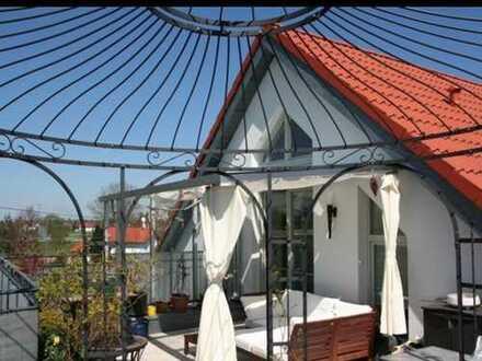 Gepflegte 2-Zimmer-Maisonette-Wohnung mit Dachterrasse, Balkon & Einbauküche in München-Feldmoching