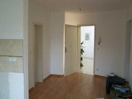 die RUHIGE! schicke 3-Zimmer-DG-Whg. im 1.OG mit Blick ins Grüne