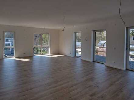 Lichtdurchfluteter Erstbezug mit Blick auf Simmerbach – Wohnung 6