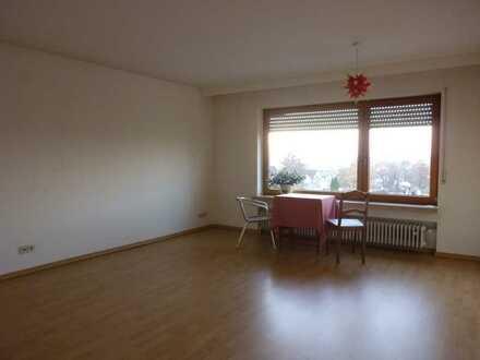 Gepflegte 3,5-Zimmer-Wohnung mit Balkon und Einbauküche in Reutlingen