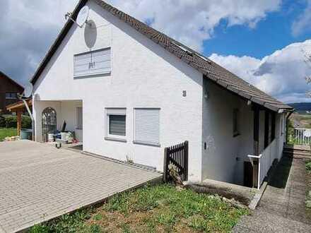 Hausanteil 2,5-Zimmer-DGWohnung 68qm, Einliegerwohnung im UG 50qm und Gartenanteil in Laichingen