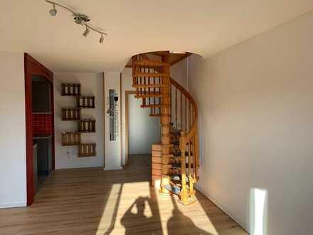 Sanierte 4-Zimmer-Wohnung mit Balkon und EBK in Bad Dürkheim