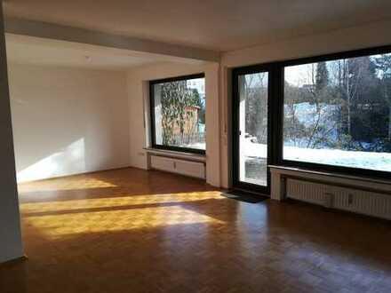 3-Zimmerwohnung lichtdurchflutet in schönem Bungalow