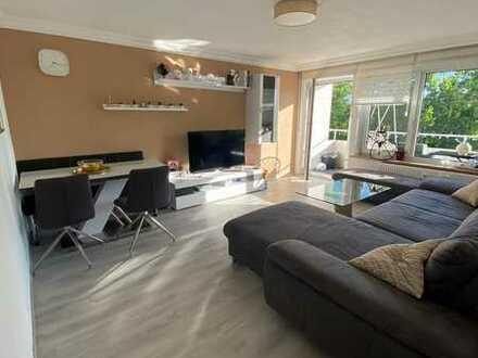 Vollständig renovierte 4-Zimmer-Wohnung mit Balkon und Einbauküche in Vöhringen