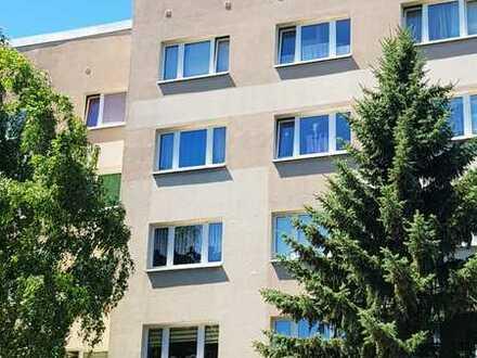 Gemütliche 3-Raum-Wohnung mit Balkon im 1.OG in Altenburg