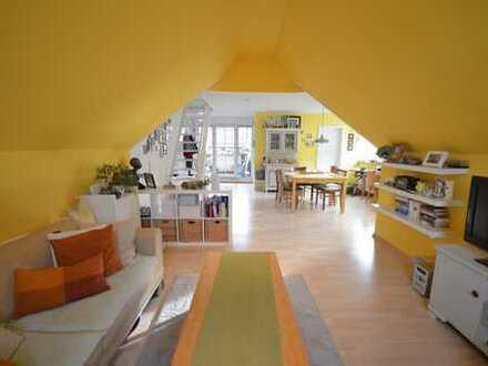 Lichtdurchflutete und sehenswerte 2,5 Zimmer Maisonettewohnung zzgl. Hobbyraum in Mönsheim