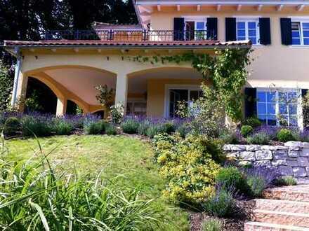 Villa in Bernau am Chiemsee: Luxus pur mit Bergblick