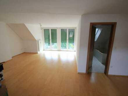 Gepflegte 2-Zimmer-DG-Wohnung mit Balkon in Augsburg (Kreis)