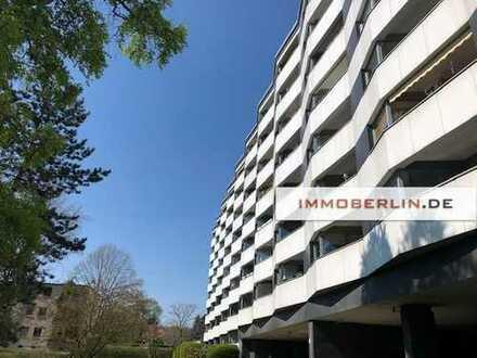 IMMOBERLIN: Sehr gepflegte Wohnung mit ruhiger Loggia in gefragter Lage