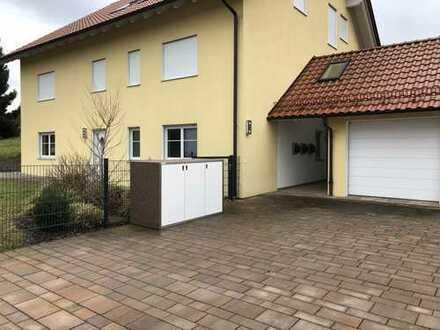 Erstbezug: schöne 4-Zimmer-Wohnung in Oberrohr