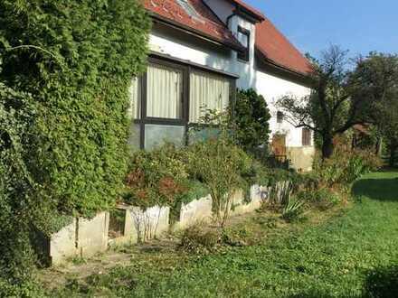 Wohnhaus mit großem Grundstück und Brennrecht / Brennerei