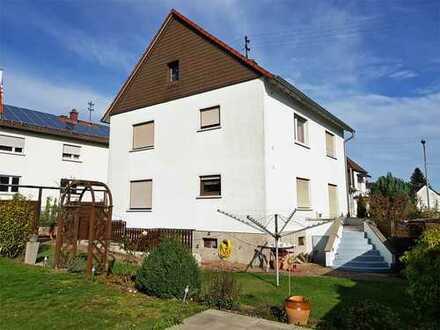 Wohnhaus mit 2 Vollgeschoßen im Ortsteil Miesenbach