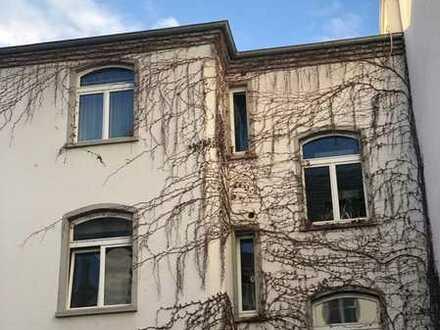Hübsche 1 Zimmerwohnung ruhig und zentral gelegen in Wiesbaden-Biebrich im Hinterhaus