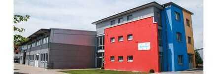 TOP Renditeobjekt: Attraktives Bürogebäude mit Werkstätten und großzügiger Lagerhallen